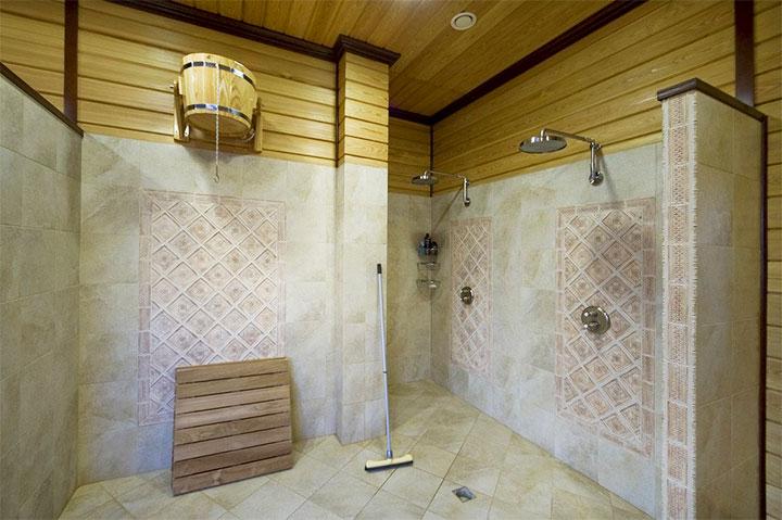 Комбинированная отделка душевой комнаты