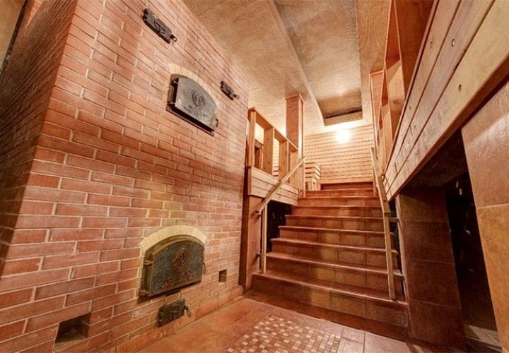 Двухэтажная баня с кирпичной печкой