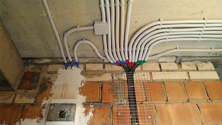 Электропроводка в кирпичной стене