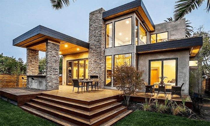 Частный дом с камином на террасе