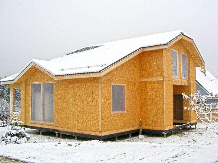 Дачный домик из СИП-панелей