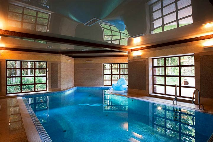 Банное помещение с бассейном