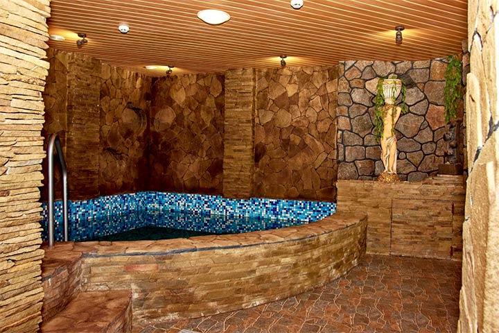 Интерьер бани в стиле шале