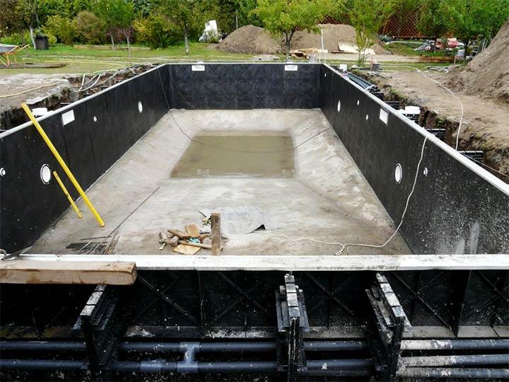 Строительство уличного бассейна